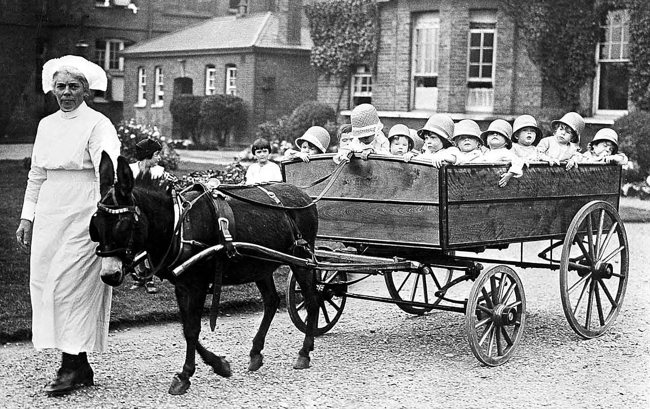 Crazy contraptions 1: The 18 seater pram from the 1920's