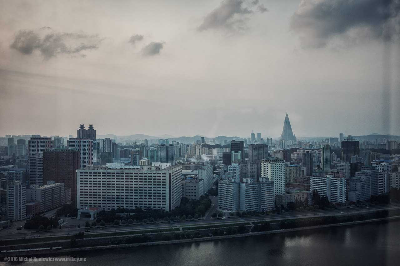 How Pyongyang looks like from the Yanggakdo Hotel.