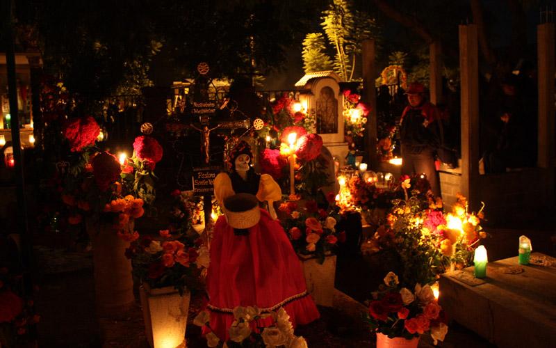 Cemetery at Xoxocotlan (Oaxaca, Mexico)