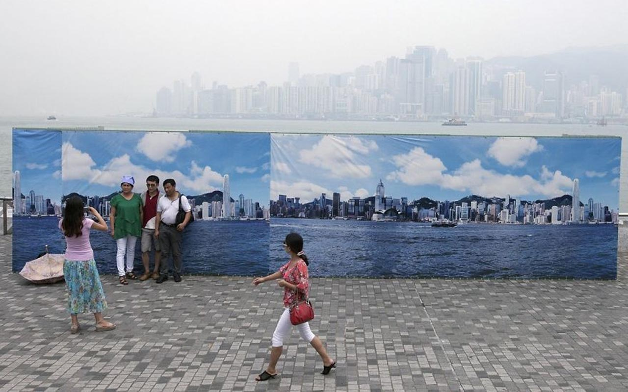 Hong Kong, Backdrop, China, Photo, Photography, Fake, Fact, Facts, Pollution, Polluted, Smog, Smoke