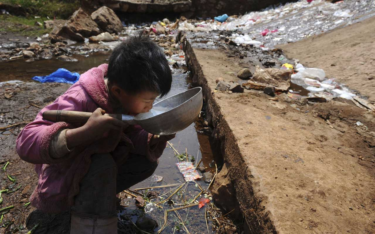Water pollution, child, drinking, water, waste, sewer