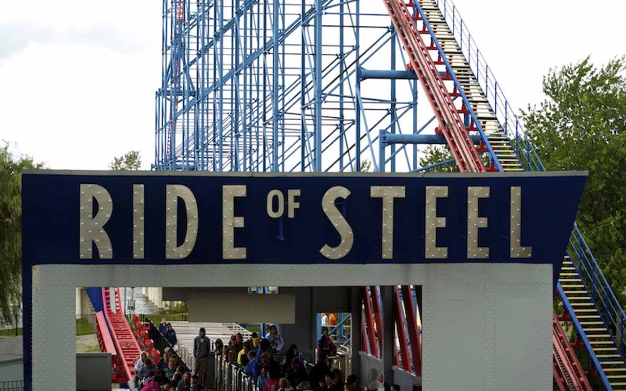 Darien Lake Superman: Ride of Steel – Darien, New York