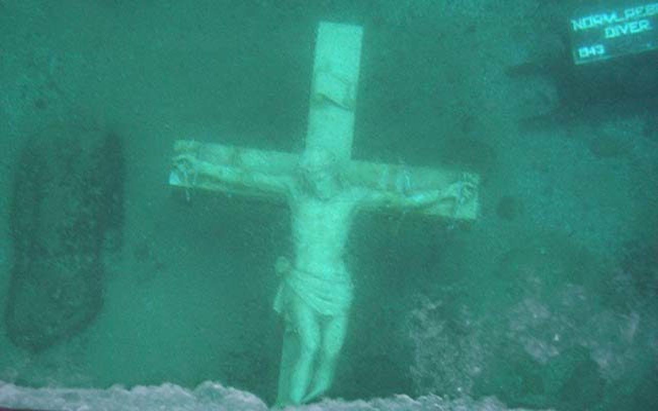 Astatue of Jesus Christ at the bottom of Lake Michigan.