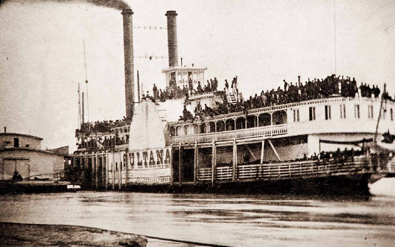The SS Sultana Steamboat Explosion, boat, lake, river, mississippi, danger, catastrophe,