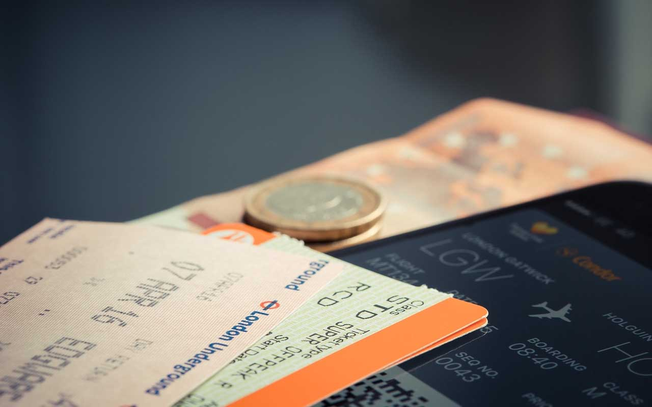 Boarding pass, plane, airport, safe, people, travel
