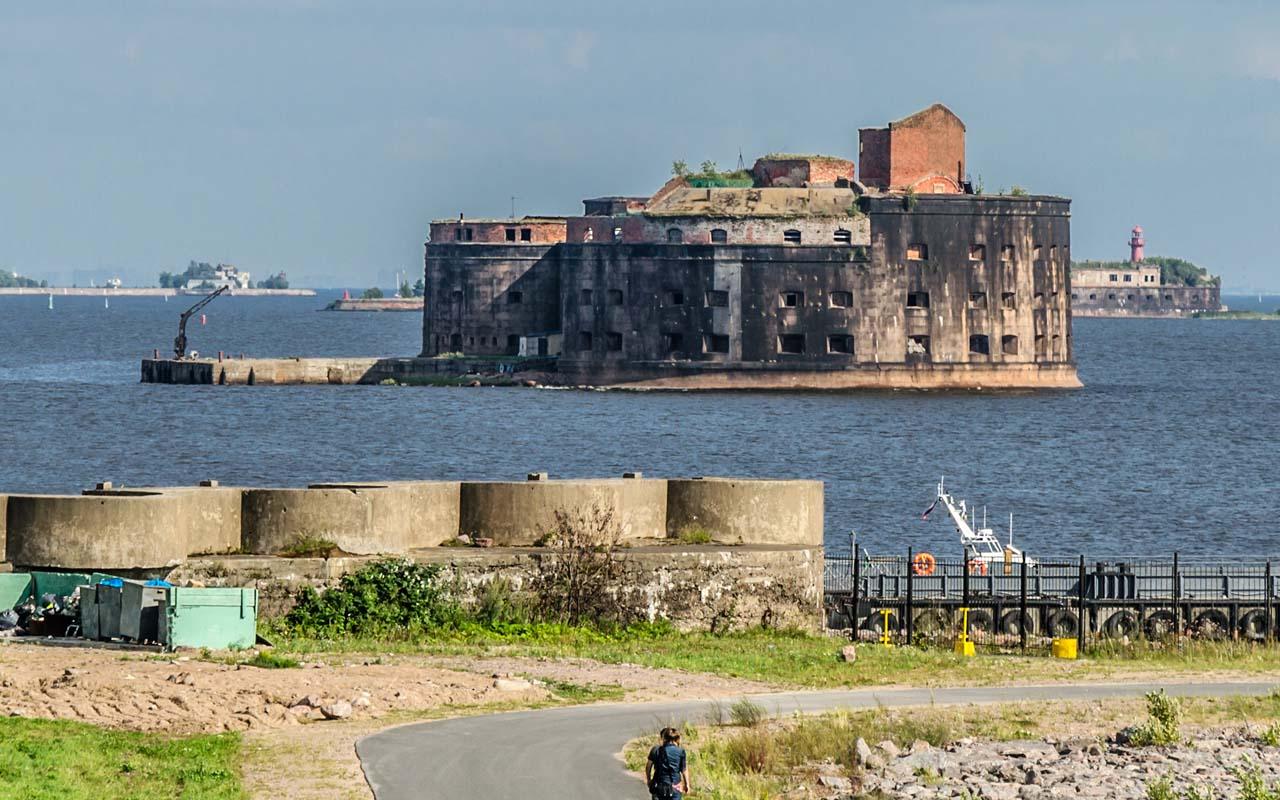 Kronstadt Fort Alexander I, Russia, attack