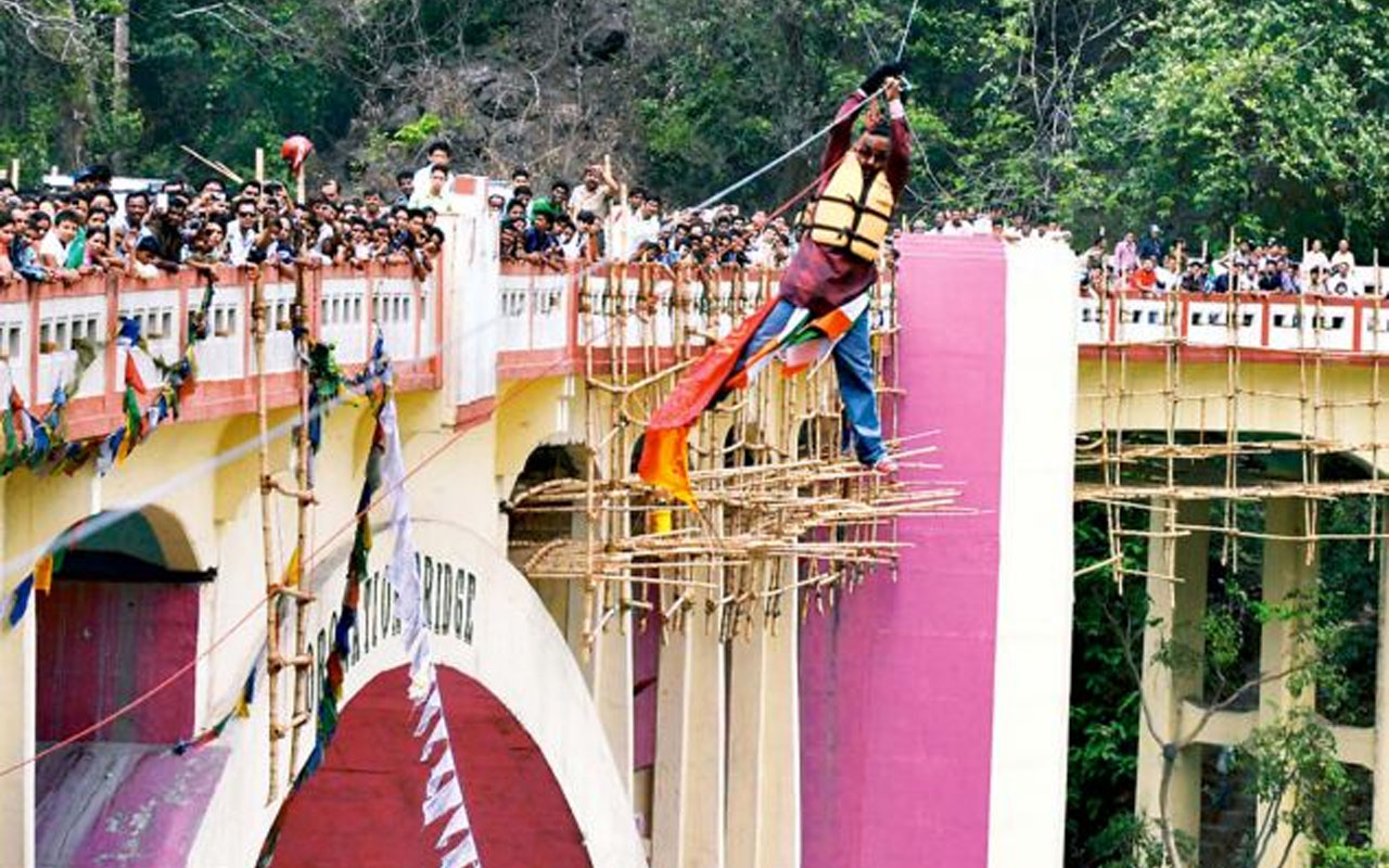 Sailendra Nath Roy, record holder, zip line accident,