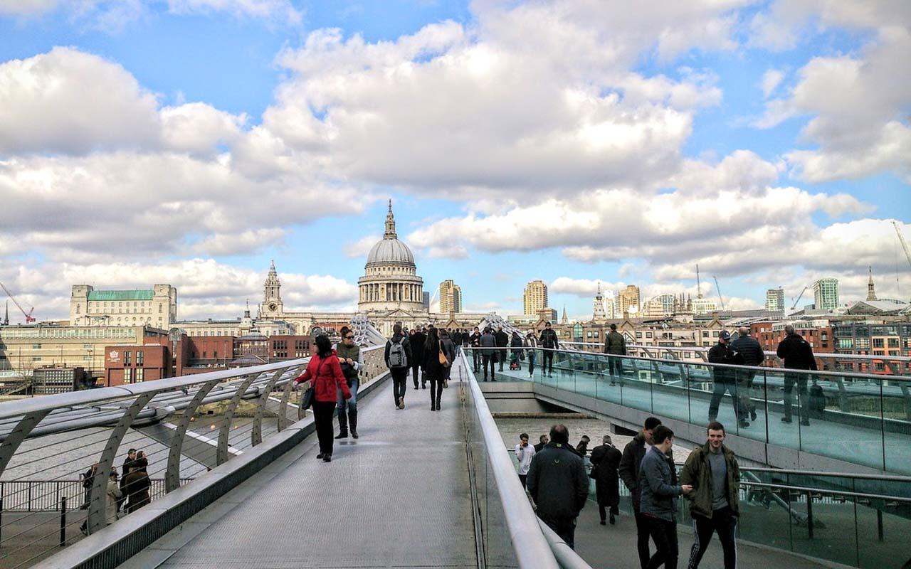 The millennium bridge, Thames River, England
