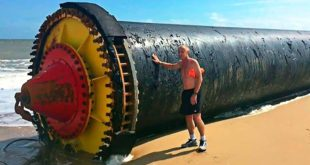 giant pipes, ocean, beach, water, sun, fact, facts, people, discoveries, travel,