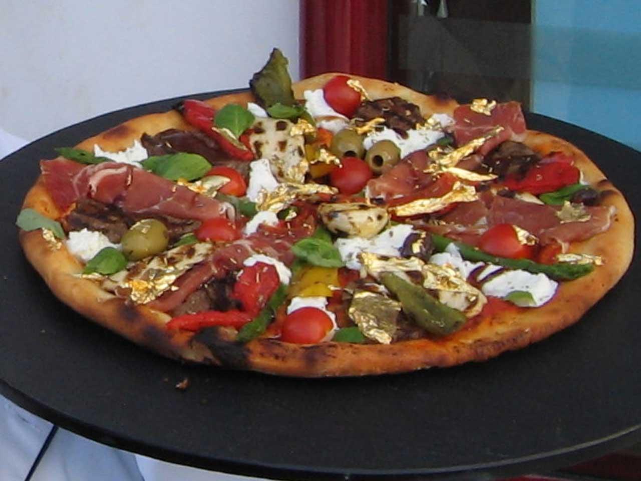 Pizza Royale 007, $4,200
