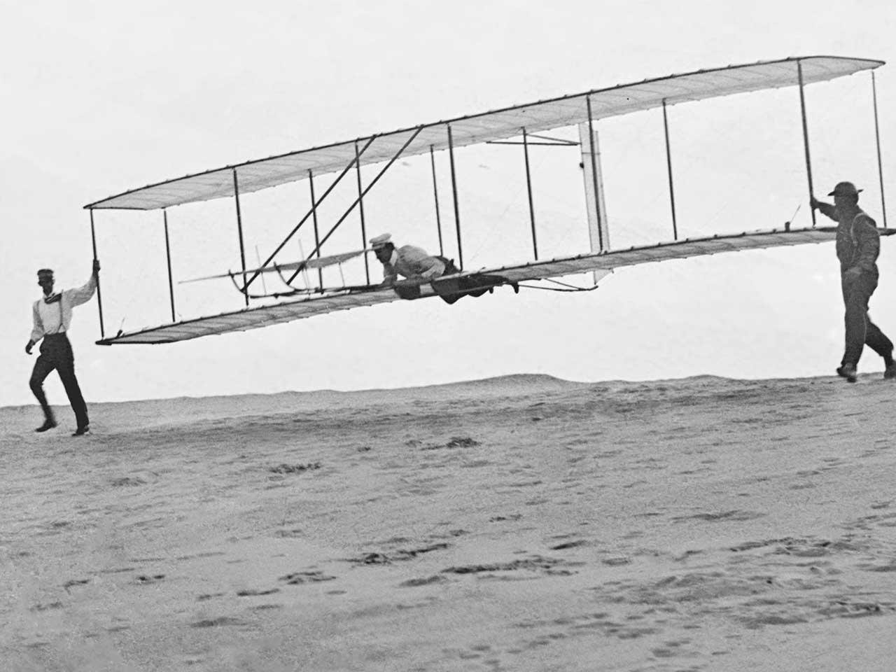 Orville Wright was still alive when atomic bombs were dropped on Japan in 1945. He died in 1948.