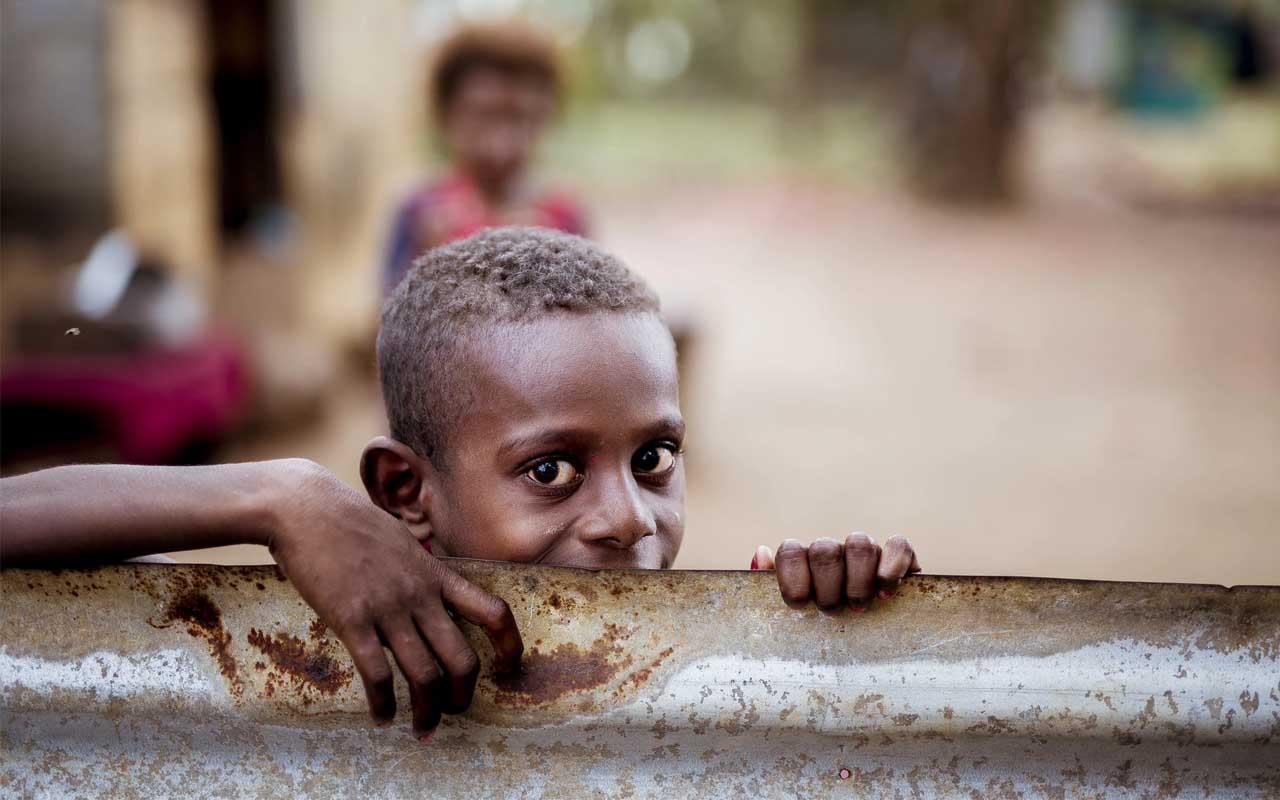 Oxfam, estimate, poverty, life, people,