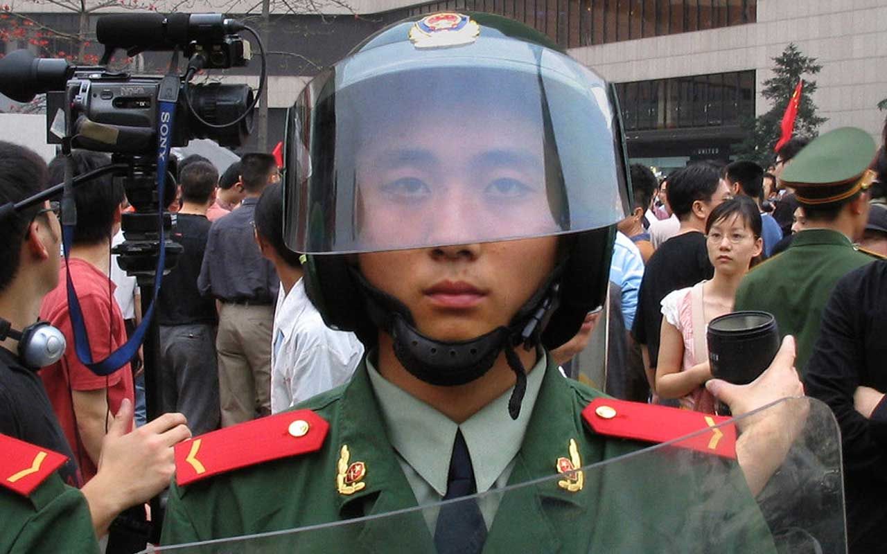 China, military, officers, life, discipline