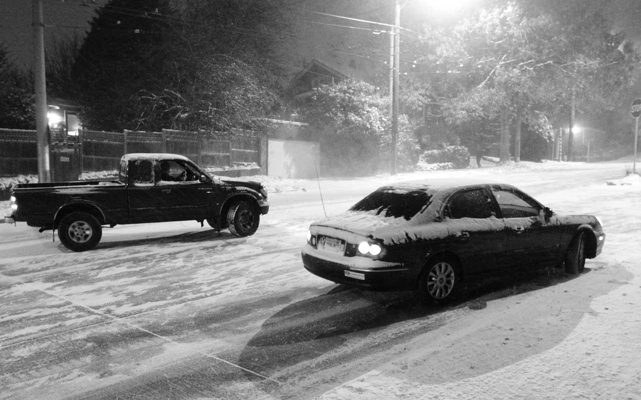 Car, sliding, icy road