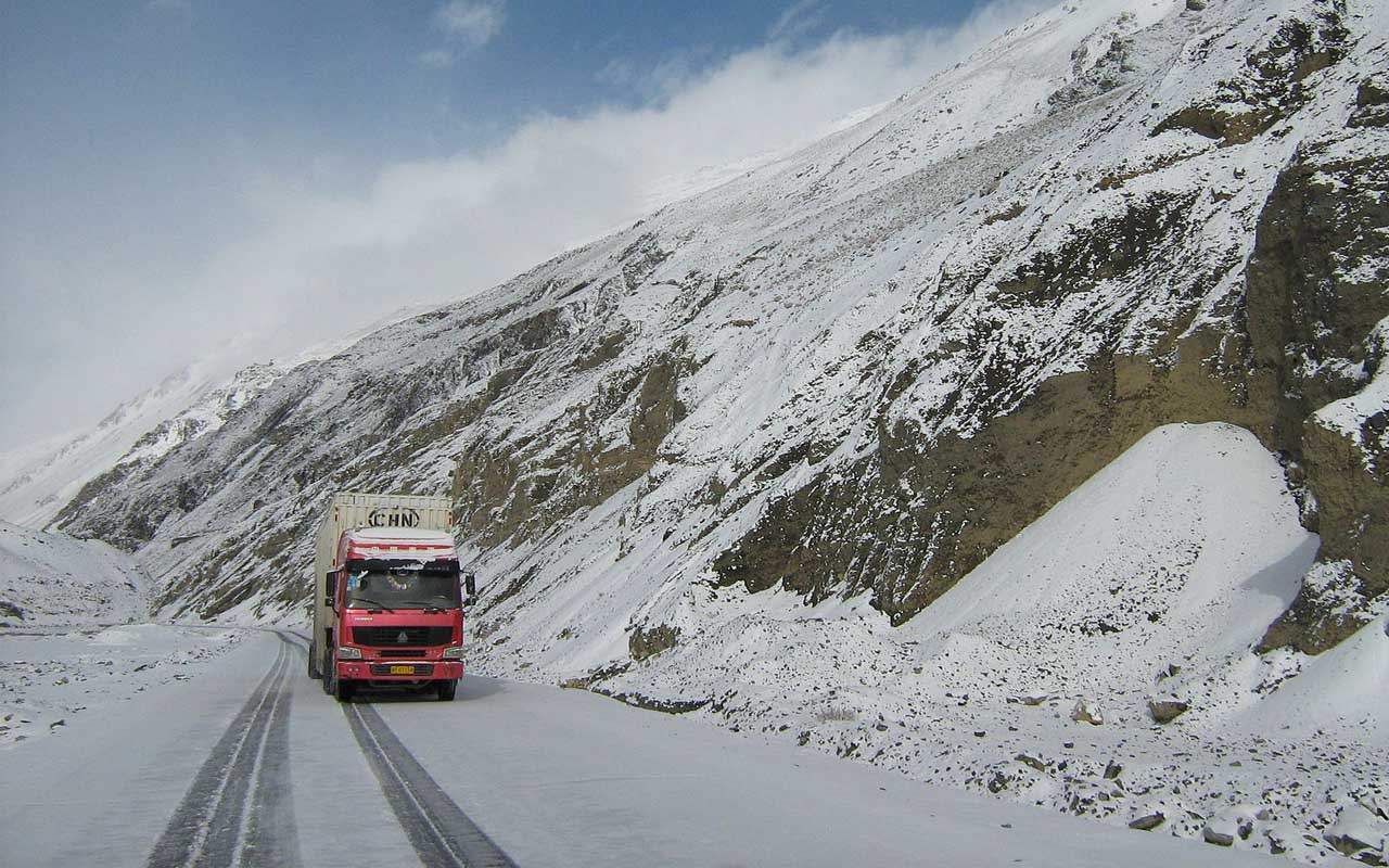 Karakoram highway, roads, facts