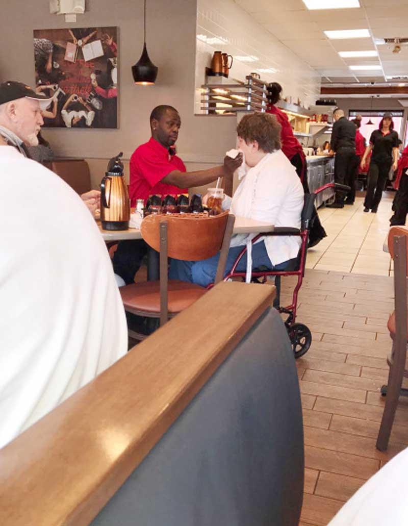 waiter, helping, customer, couple