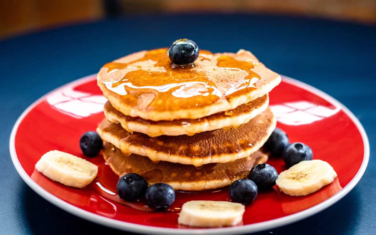 pancakes, iHop, IHOB, birthday