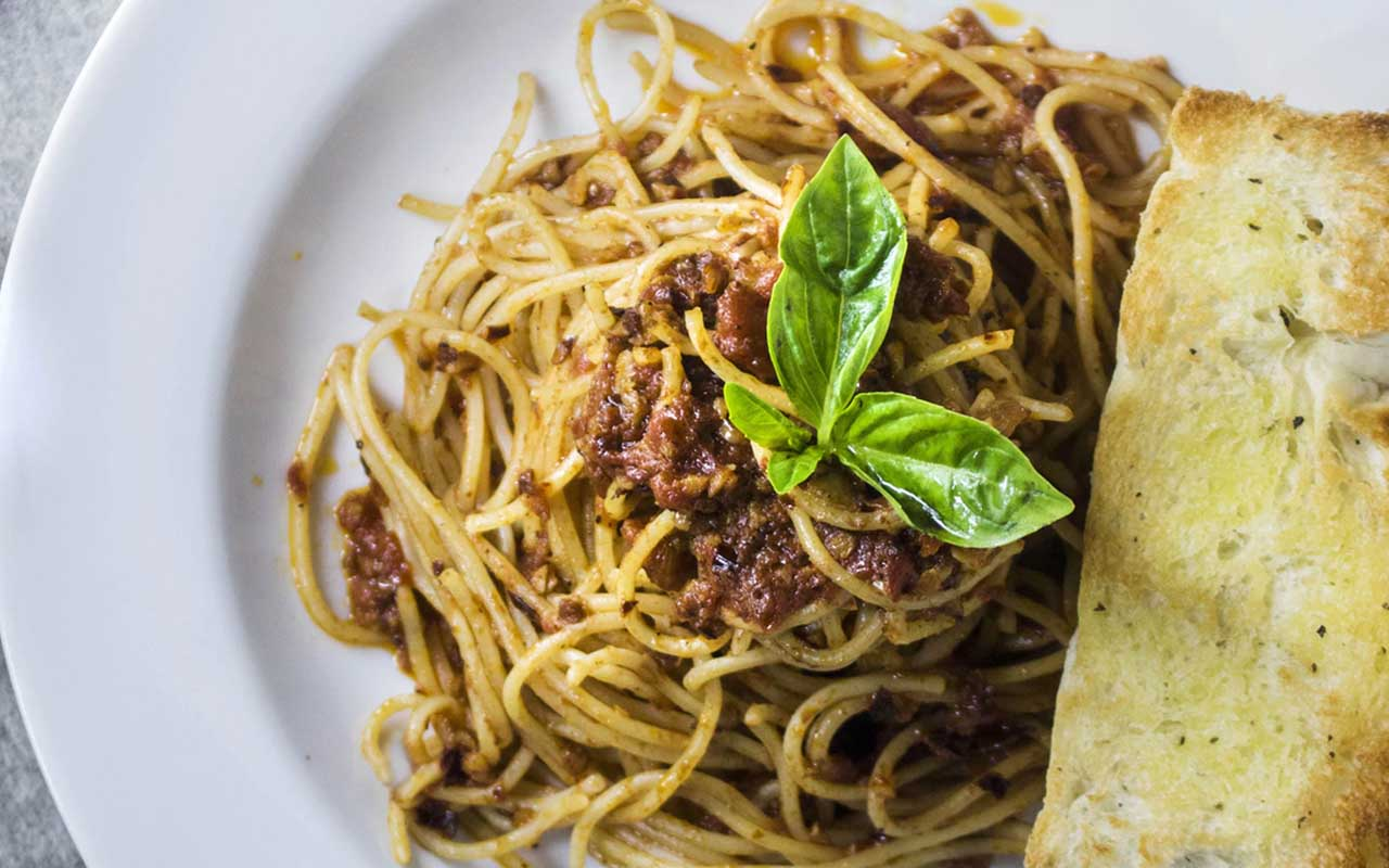 olive garden, restaurant, food, facts, birthday