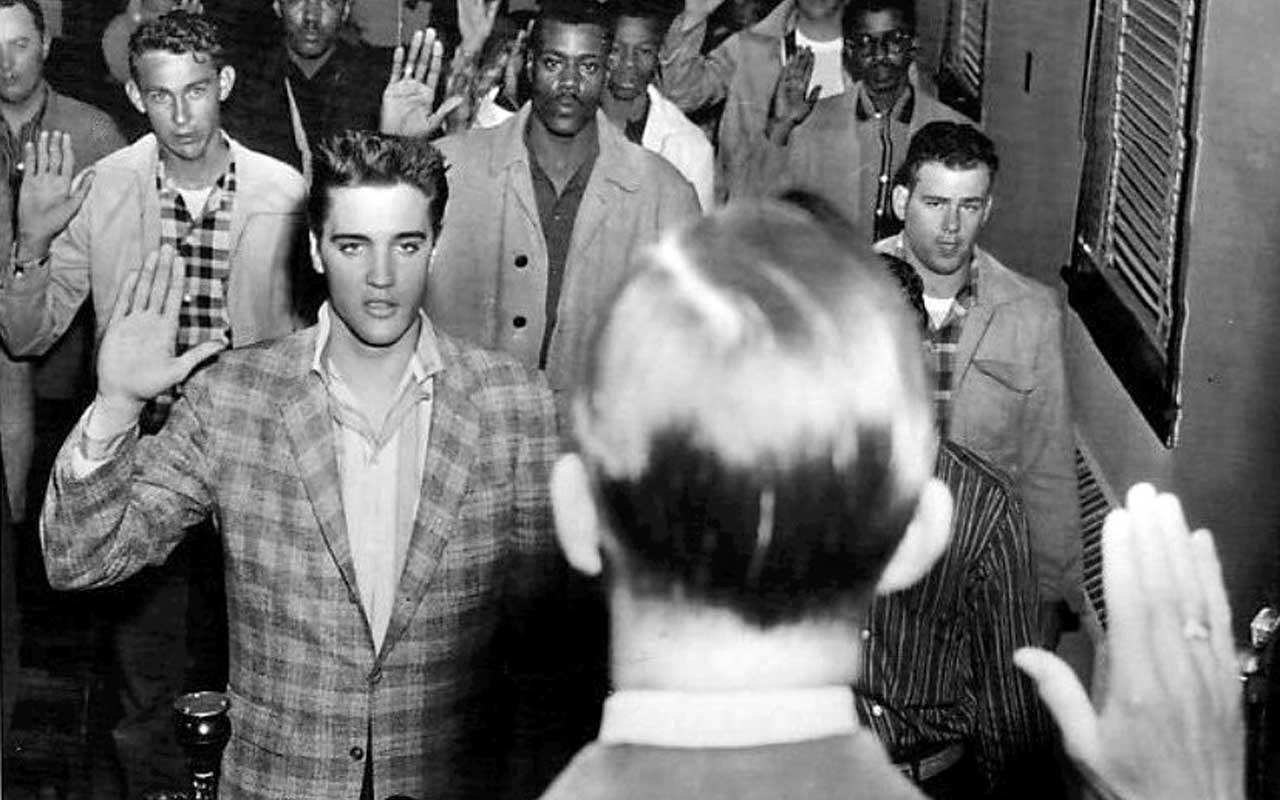 Elvis Presley, history, Captivating, life, singer, dancer