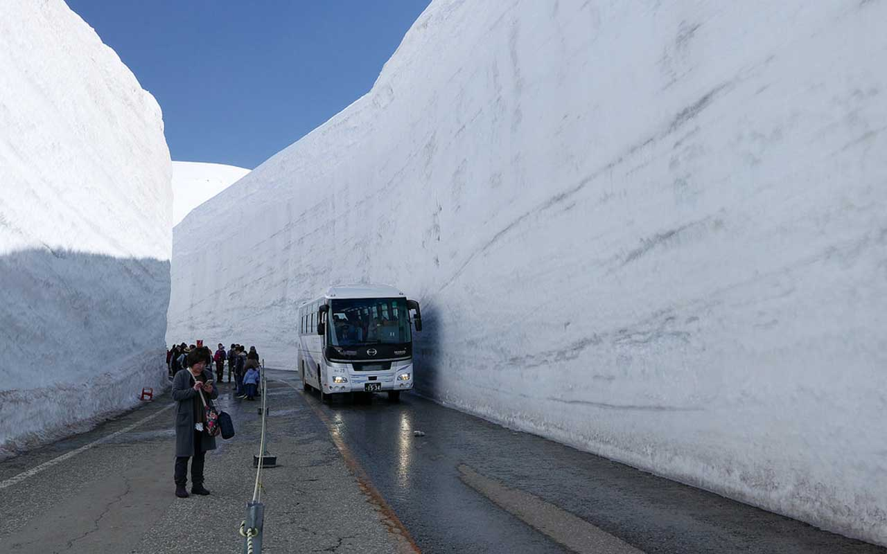 snow, Toyama, Japan, road, facts