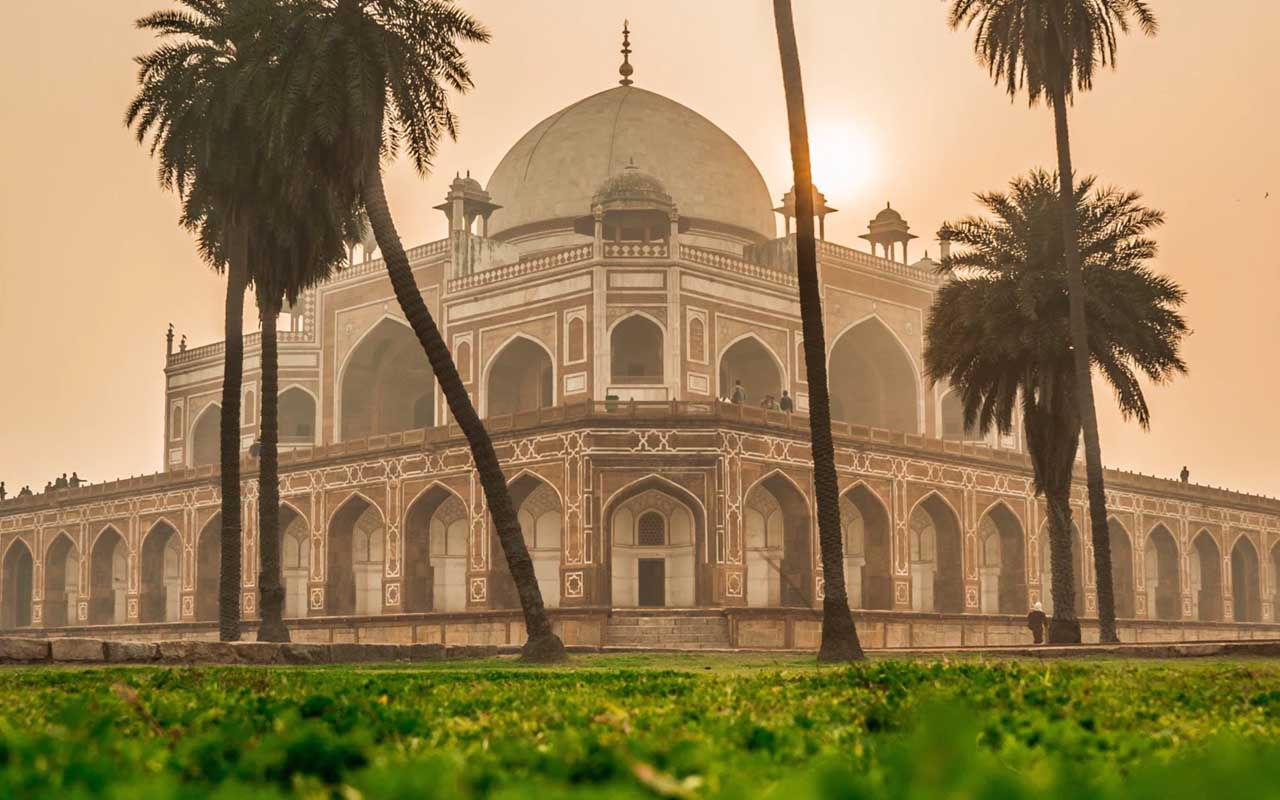 Delhi, Taj Mahal, life, people, foreigners, facts