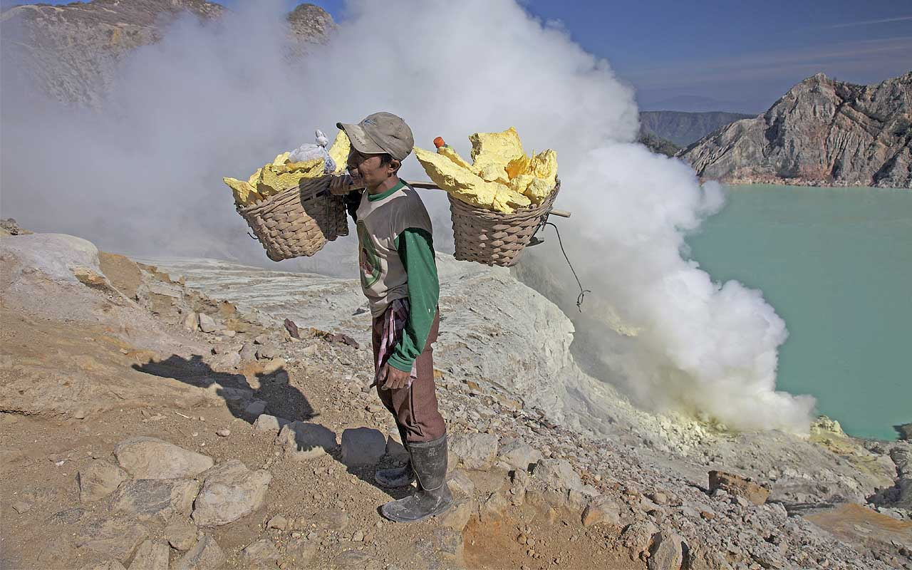 sulfur, mining, facts, jobs, life, people