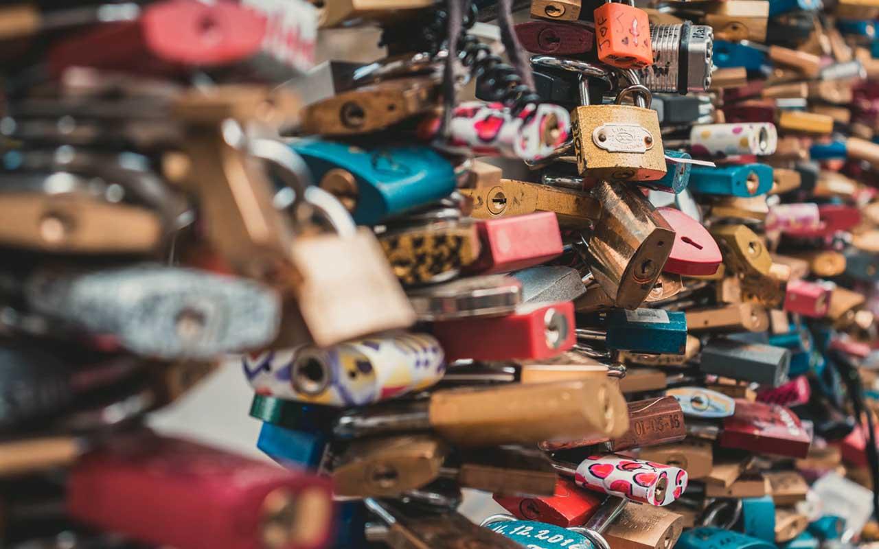 Pont des Arts, Paris, street, love, locks, facts, tourists