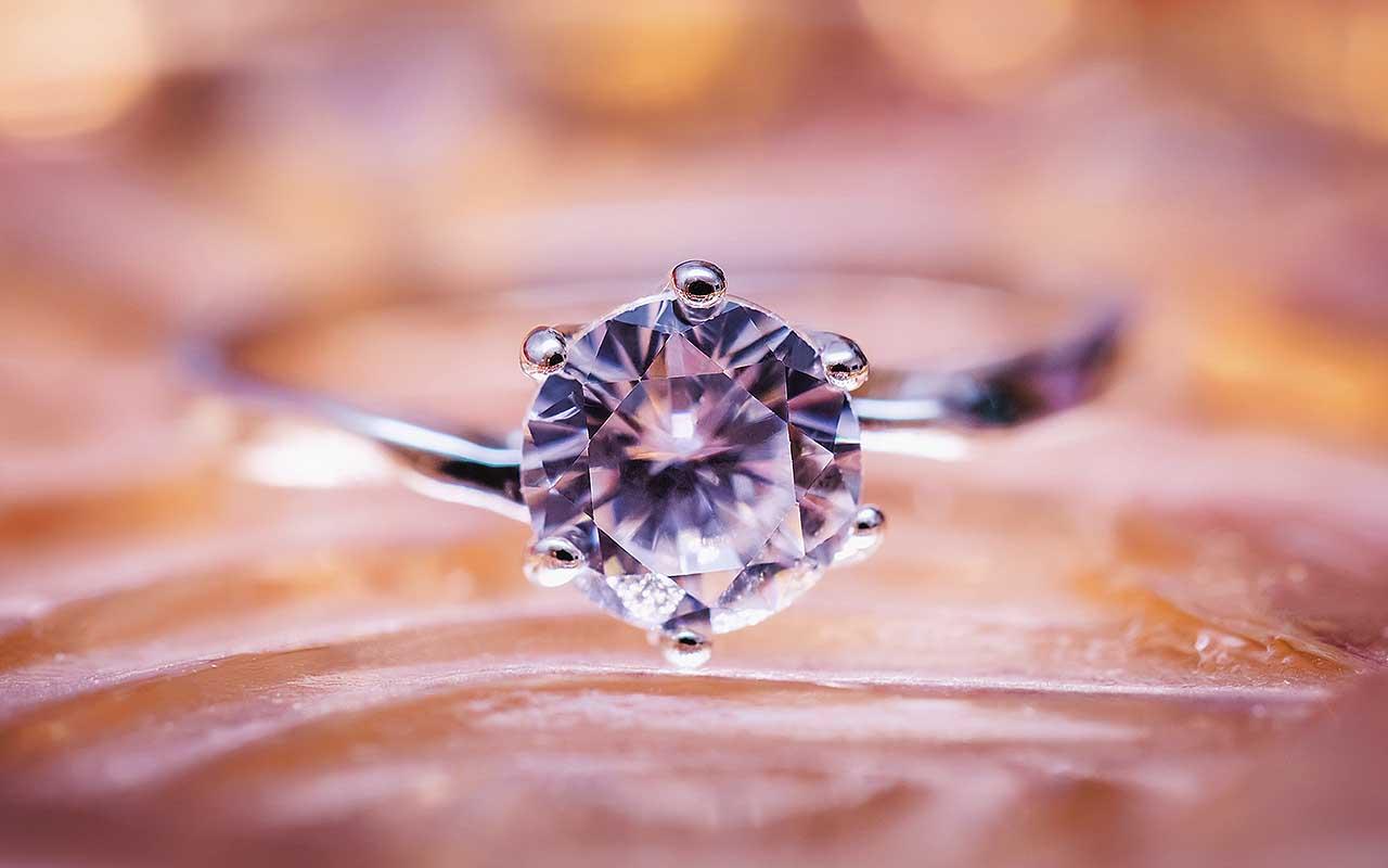 diamond ring, junk, life, people, facts, surprise, amazing