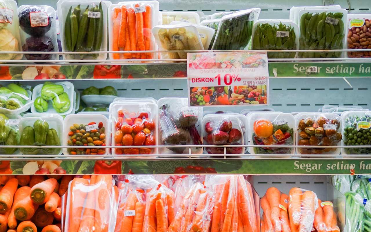 Banana, food, facts, supermarket, plastic, pollution, life, weird