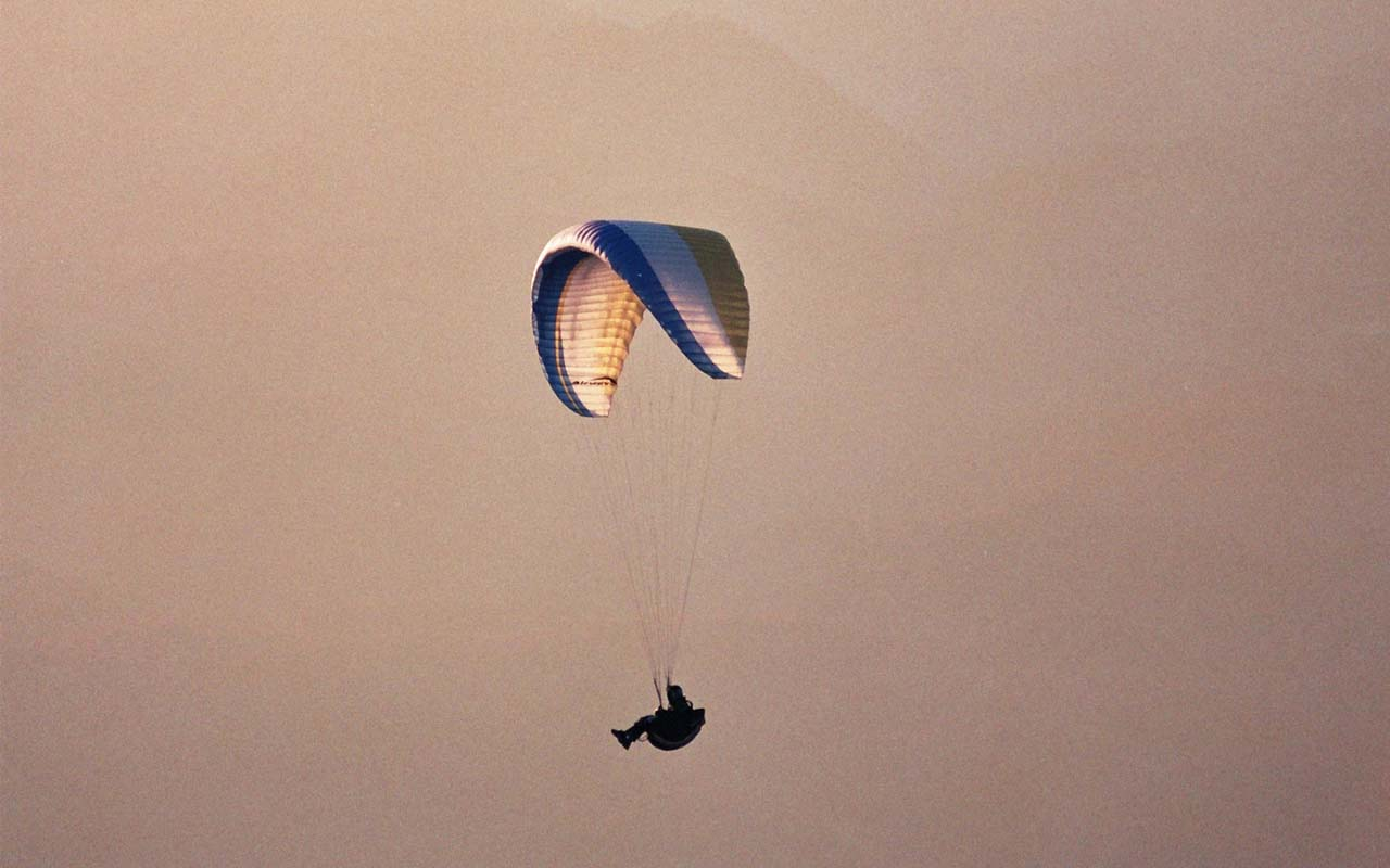 paragliding, facts, fictional, life, people, historical
