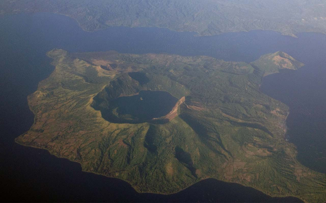 Taal volcano, island, Philippines, facts, life, people, unbelievable