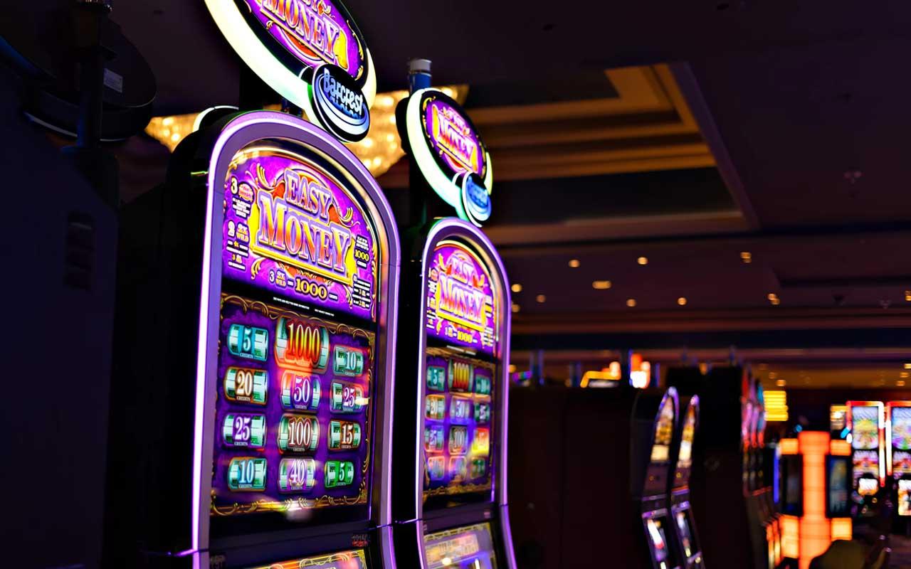 slot machine music composer, Las Vegas, weird jobs, facts, people, life, money
