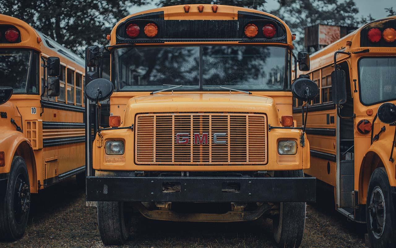 school bus, light, color, yellow, wavelength, science, people
