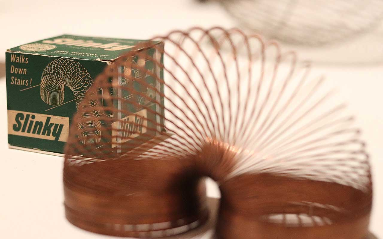 slinky, discoveries, facts, life, people, history, toy