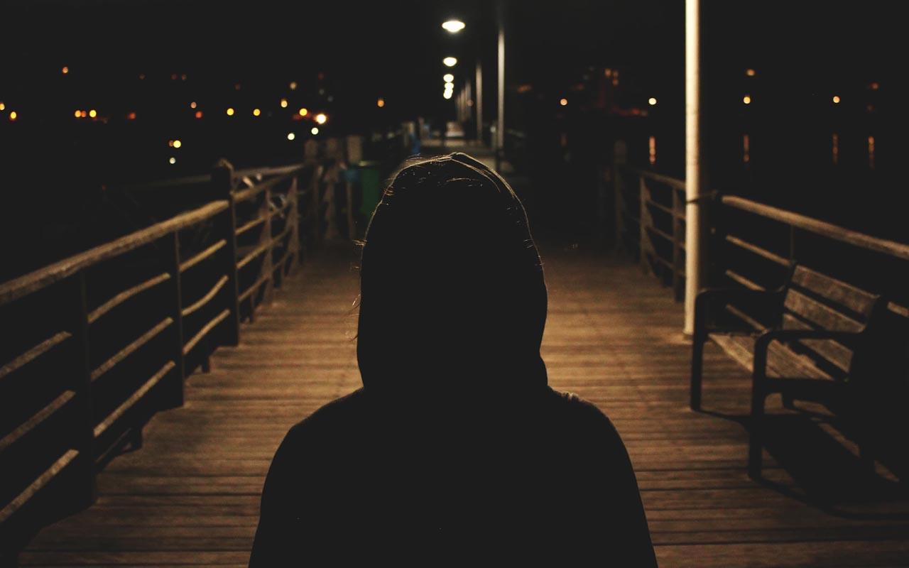 stranger, gaze detection, following, facts, awareness, people, women, man
