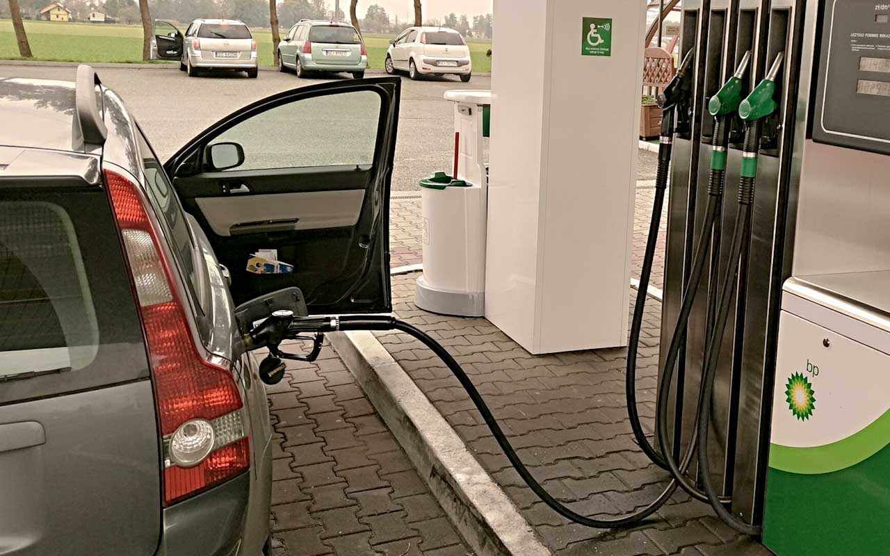 gas station, refueling, facts, gasoline, people, life, science, invention