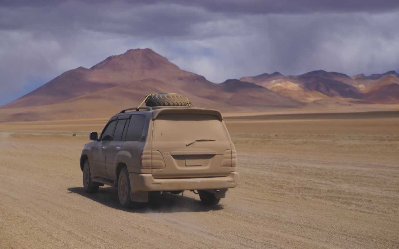 stranded, car, desert, facts, tire, people, rescue