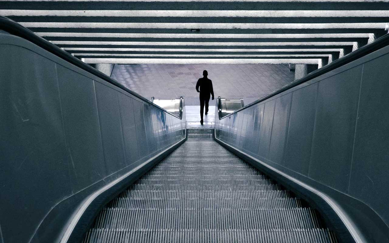 escalators, facts, Wyoming, United States, bank, facts, compelling
