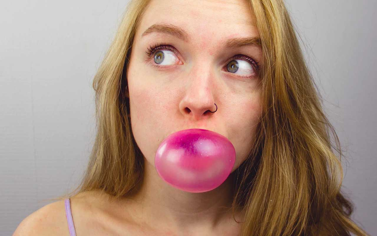 chewing gum, facts, onions, food, amazed