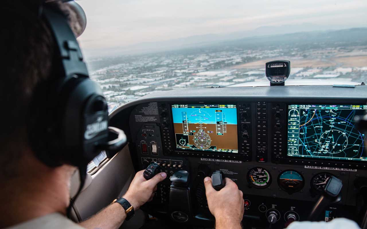 pilot, aviation english, facts, life, flying, airplane