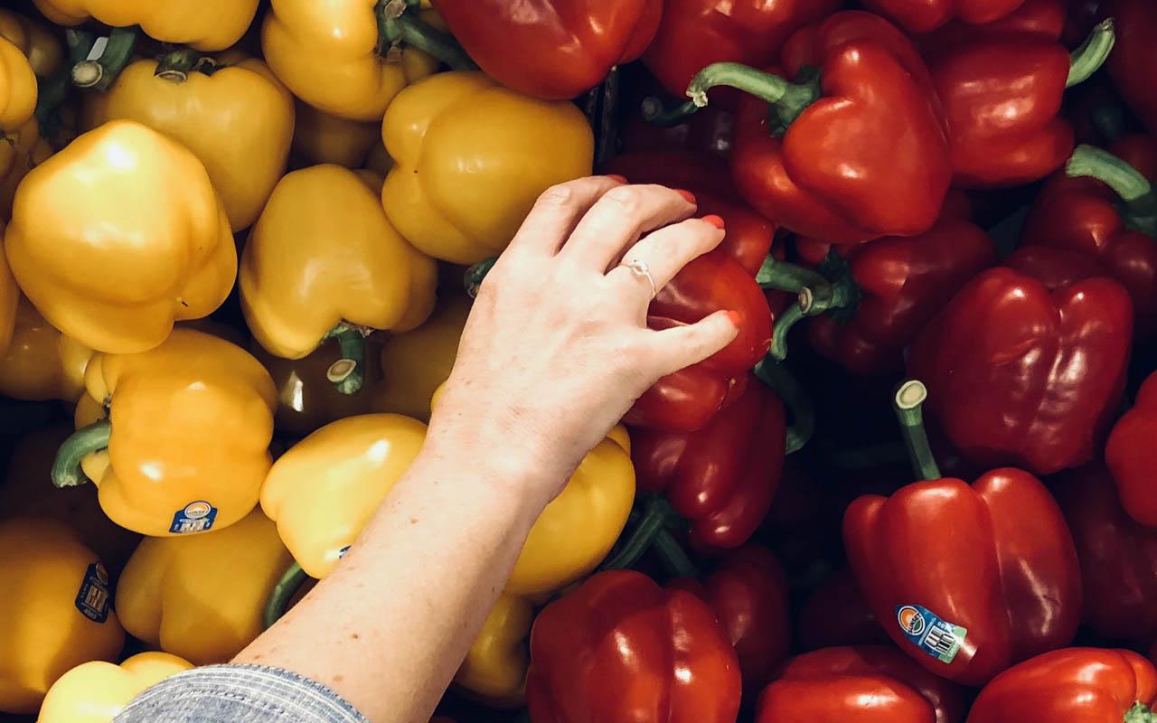 peppers, green pepper, bell pepper, red pepper, vegetables,