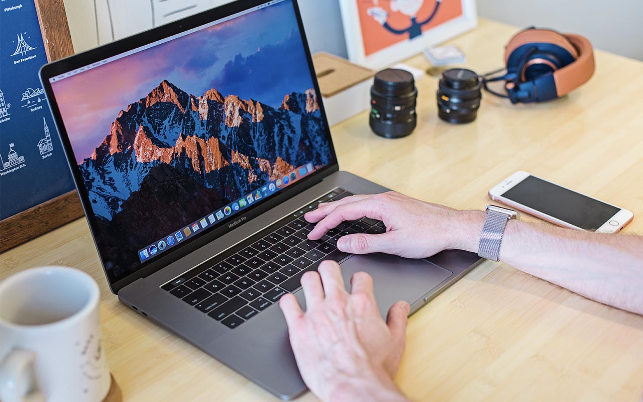 Macbook, Apple, iPhone, facts, shortcuts
