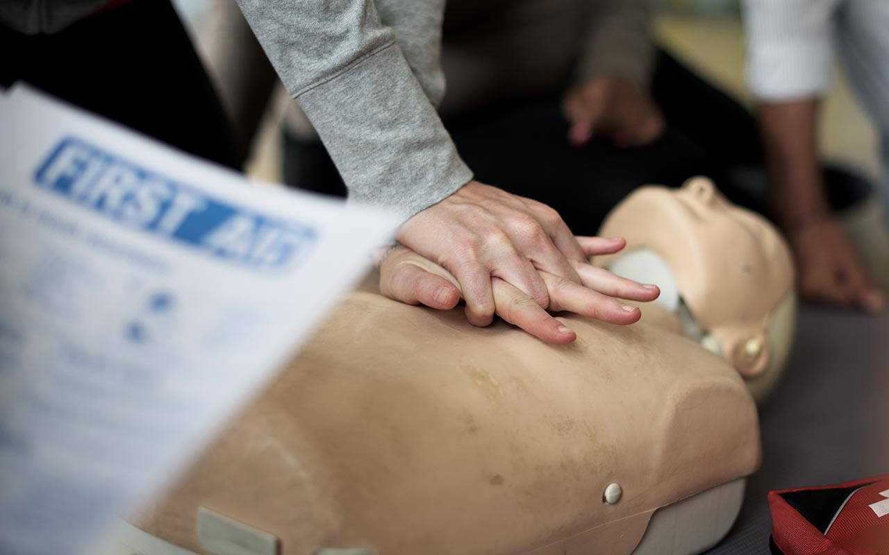 CPR, lifesaving, chest compression, facts, life, people,