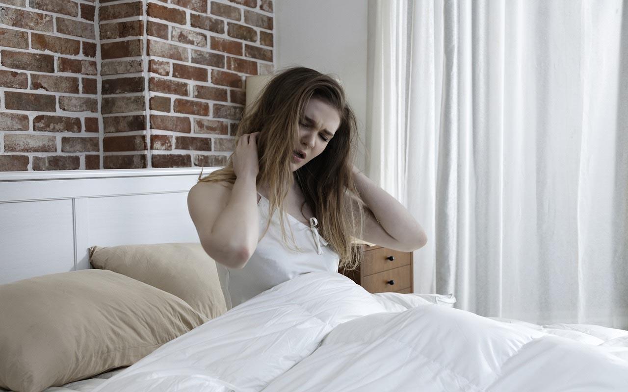 snacking, foods, sleep, sleeplessness, people, habits